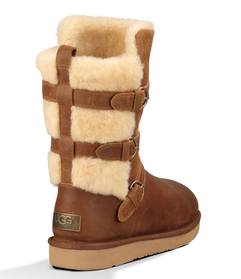 Looking for Ugg boots in the Canberra, Melbourne or Hobart area? Come to Blue Mountains Ugg Boots for a wide selection of sheepskin and cowhide products! If you are looking for Australian made Ugg boots in Canberra, Melbourne, Launceston, Hobart or Jindabyne, browse online. We have Ugg boots and other sheepskin items.